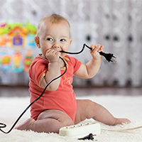 Elektronik – (k)ein Kinderspiel! So bleiben Ihre Kleinsten sicher.
